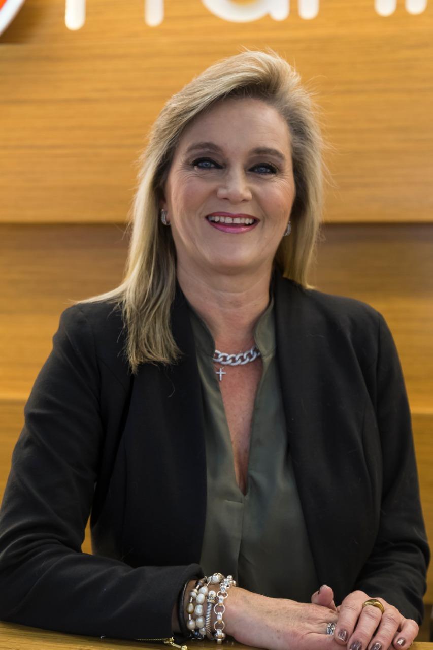 Angela María